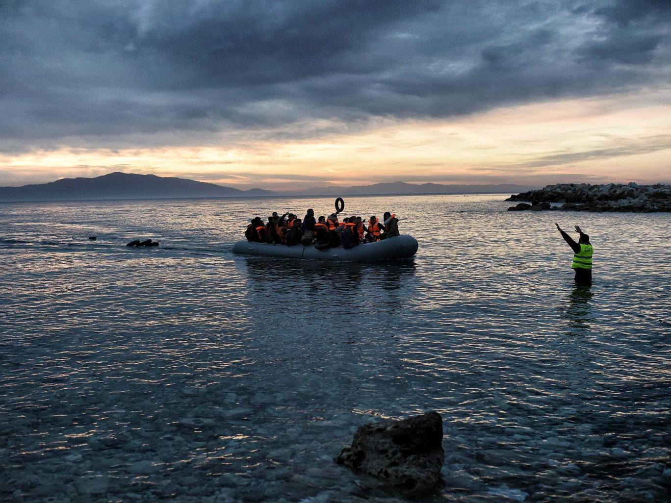 مأساة ألاف اللاجئين العالقين في اليونان