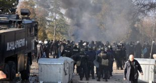 بلغاريا تلوح بترحيل لاجئين بعد صدامات عنيفة مع الشرطة